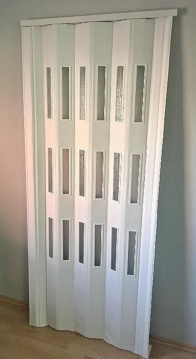 PETROMILA Koženkové shrnovací dveře bílá 83x200cm TYP: prosklené